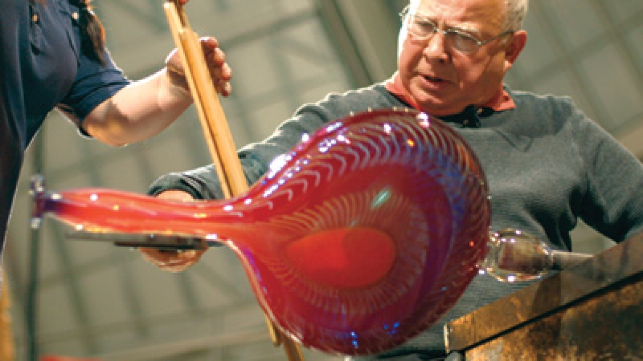 Lino Tagliapietra working last year in the Museum of Glass hot shop in Tacoma, Wash.