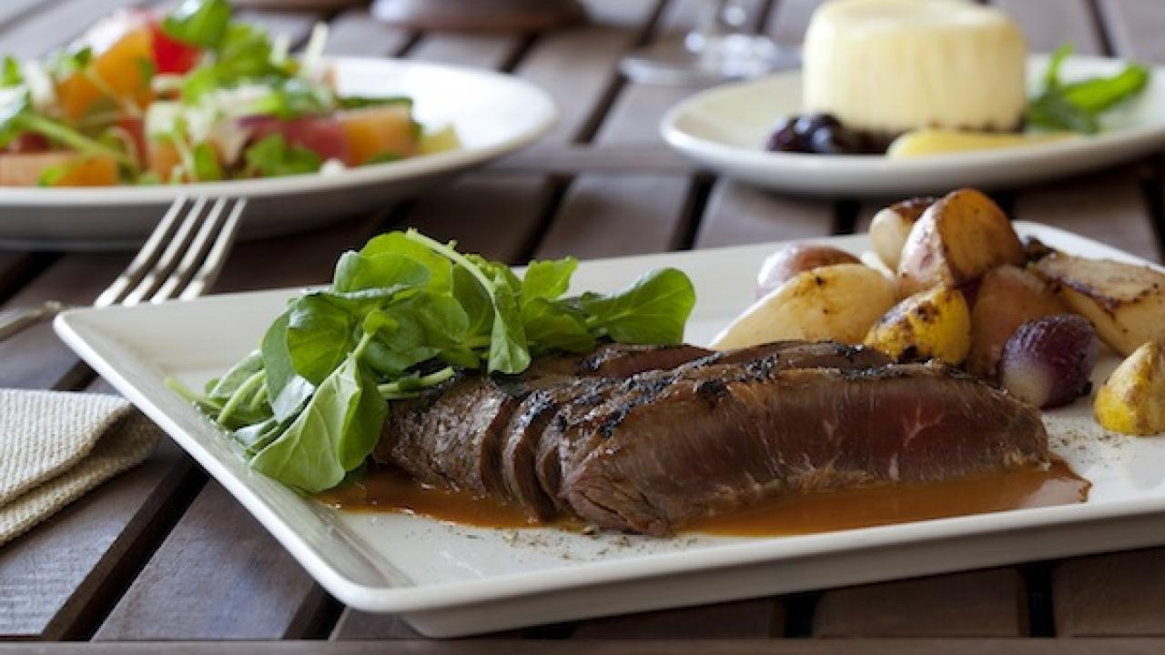 Hawaiian fusion cuisine creates roy 39 s distinctive flavor - Hawaiian fusion cuisine ...