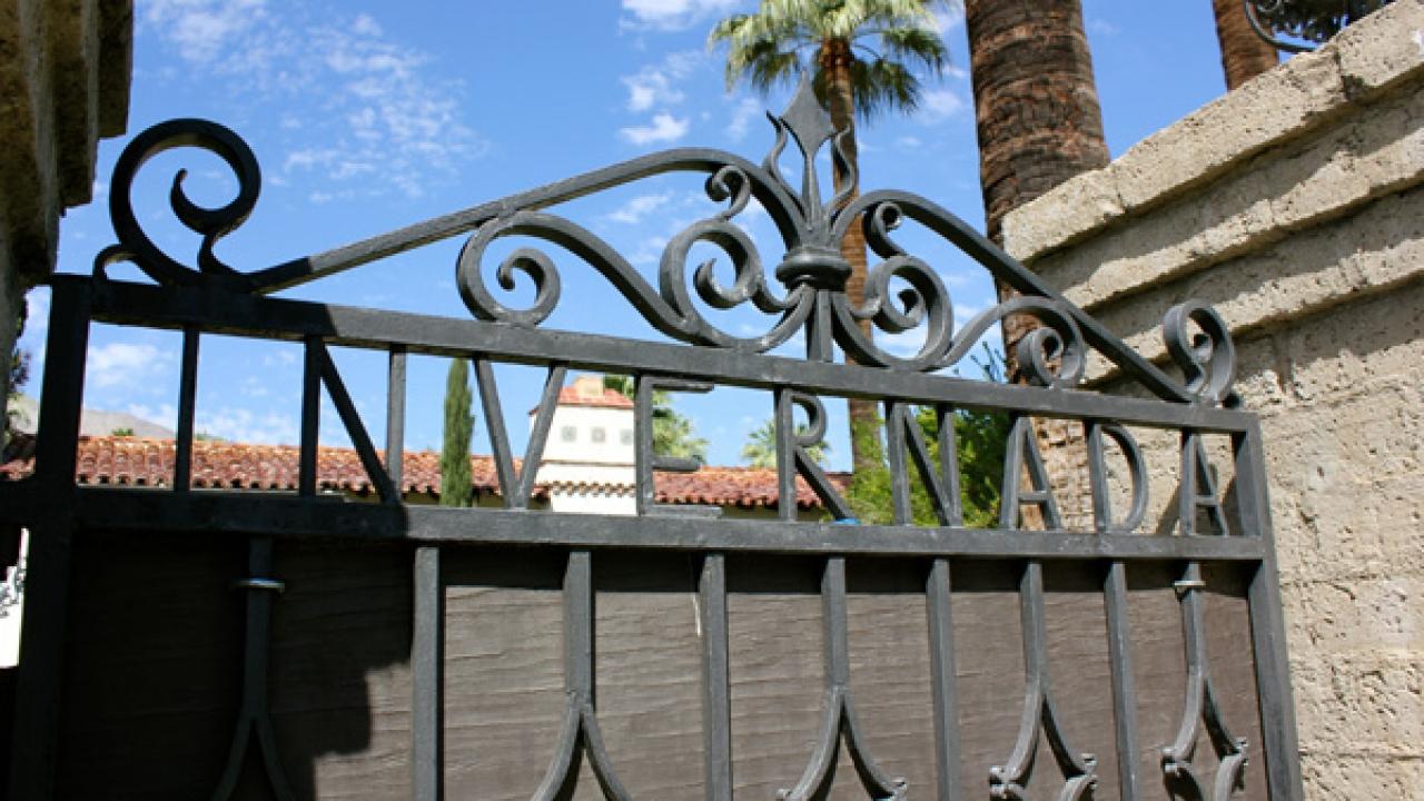 Palm Springs Historical Society Tours 'Frank Sinatra Neighborhood'